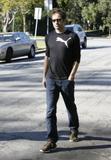 David em um almoço com um amigo no Avotre Sante em Brentwood - CA Th_39071_David_Duchovny_out_and_about_in_LA_CU_ISA_18_122_1061lo