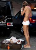 Alessandra Ambrosio Sexy Candids in Malibu Foto 454 (Алессандра Амброзио Сексуальная Candids в Малибу Фото 454)
