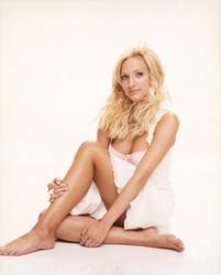 Ashlee Simpson - Nude Celebrities Forum | FamousBoard.com