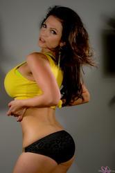 Дениз Милани, фото 5661. Denise Milani Yellow Top, foto 5661