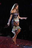 Анджела Линдвэлл, фото 40. Angela Lindvall 10th Victoria's Secret Fashion Show (MQ&HR), foto 40