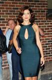 th_45817_Celebutopia-Kate_Walsh_visits_the_Late_Show_with_David_Letterman-13_122_858lo.jpg