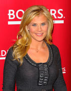 "Alison Sweeney - Promoting her ""The Mommy Diet"" book at Borders in New York 04-01-2011"